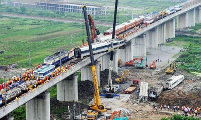 China Crash: The Faltering of Economic Transition